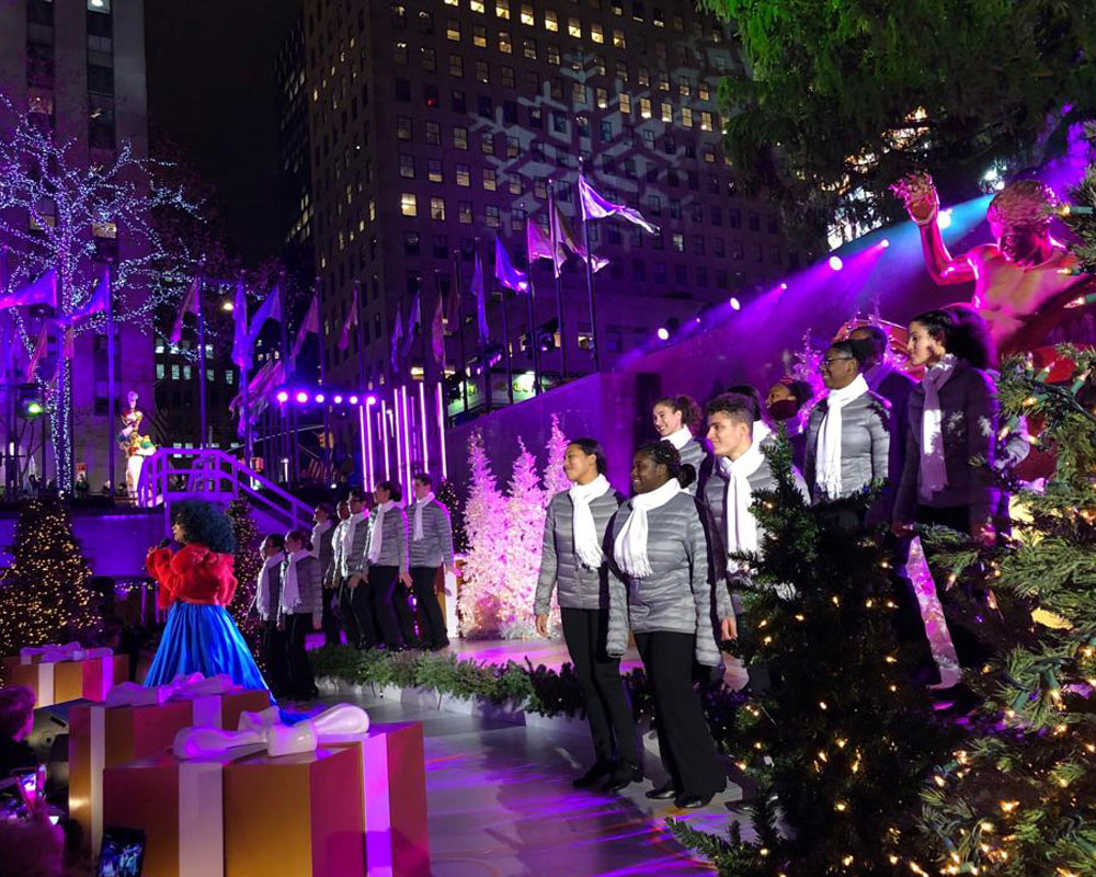 Nyc Christmas Tree Lighting 2019.Ypc Performs At The Rockefeller Center Tree Lighting With